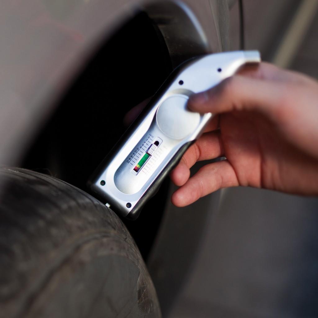 Digitaler Reifendruck- und Profiltiefenmesser, Ansicht 9